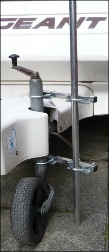 TV aerial pole installed on a caravan jocket wheel