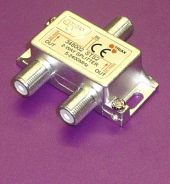 Splitter capable of handling satellite frequencies