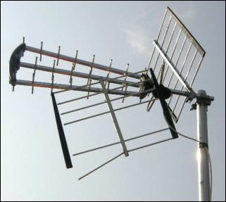 MUX Magician economy Tri Boom aerial falling apart 287H border L10 21kB (2)