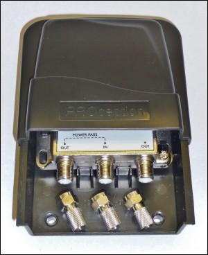 4 way external (mast head or wall mount) splitter 300W L10